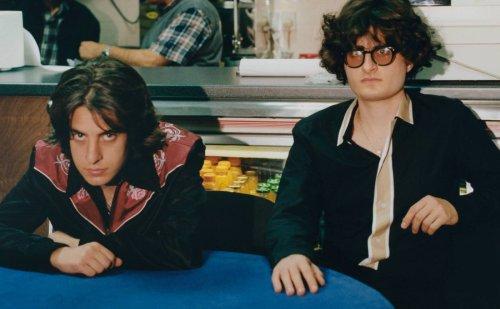 Los hermanos conocidos como Sons Of Raphael anuncian su álbum de debut para mayo.
