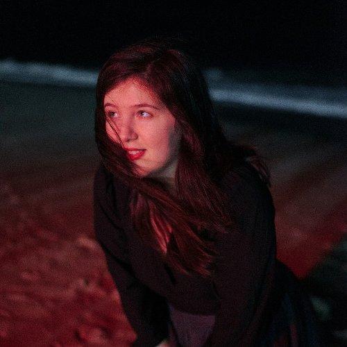 Lucy Dacus difunde un video con ella de protagonista para anunciar su nuevo álbum.