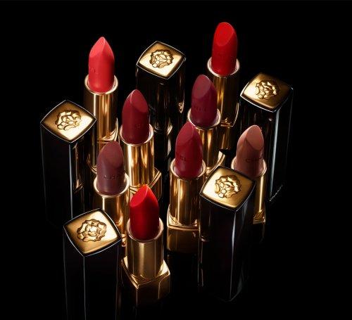 Rouge Allure Velvet, Le Lion de Chanel: una edición limitada del rojo de labios que buscas.