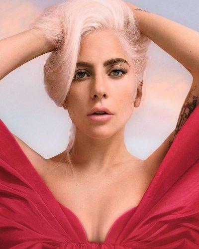 Voce Viva: voz, fragancia, Valentino y Lady Gaga.