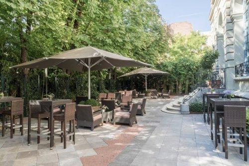 El Jardín del Santo Mauro celebra la reapertura del Hotel Santo Mauro en Madrid.