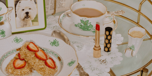 El brillo deslumbrante de los labios rojos de Gucci se sirve para desayunar…
