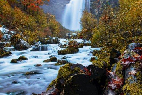 Connaissez-vous les majestueuses cascades du hérisson ?