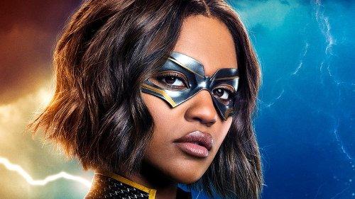 The DC Comics Superhero Drama Everyone's Binging On Netflix