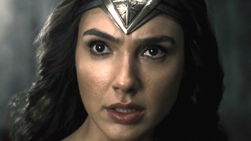 Why Wonder Woman's Snyder Cut Costume Has Fans Divided