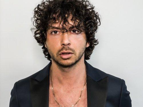 """""""Come nelle favole"""", il nuovo singolo di Fabio De Vincente: l'intervista"""
