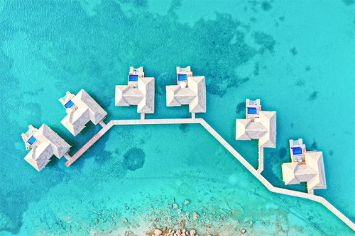 The 12 Best Caribbean Overwater Bungalows [2021]