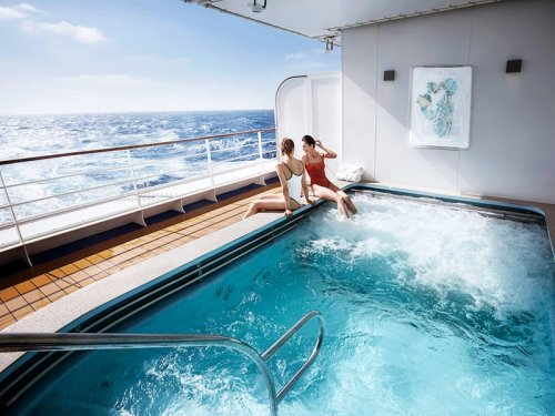 THE MOST LUXURIOUS CRUISE LINERS IN THE WORLD