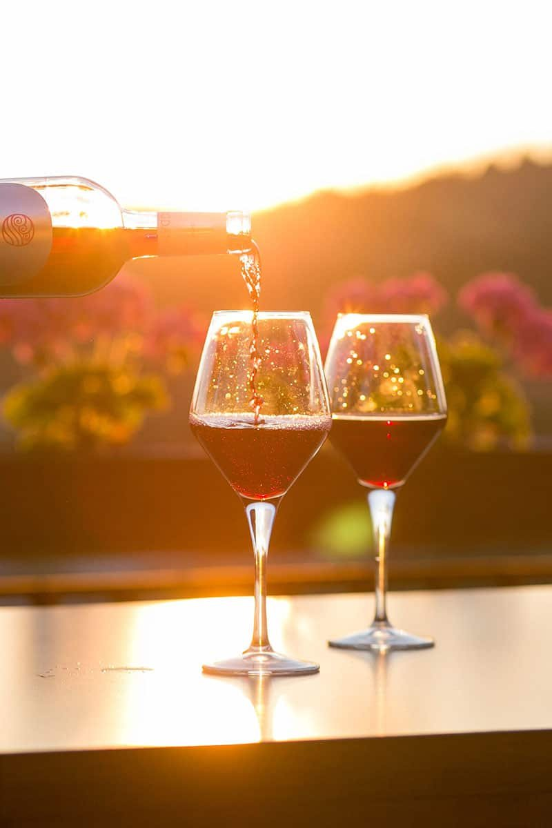 How to Do a Great Wine TastingAt Home