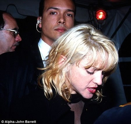 Madonna's ex-bodyguard & lover sells her love notes for the highest bid : Luxurylaunches