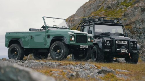 The best of both worlds – Someone built a pair of Tesla-powered Land Rover Defenders, and they have mind blowing acceleration and off-roading capabilities