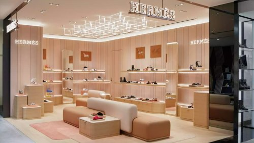 Hermès has opened the world's first women's shoe boutique and repair service store in Osaka, Japan