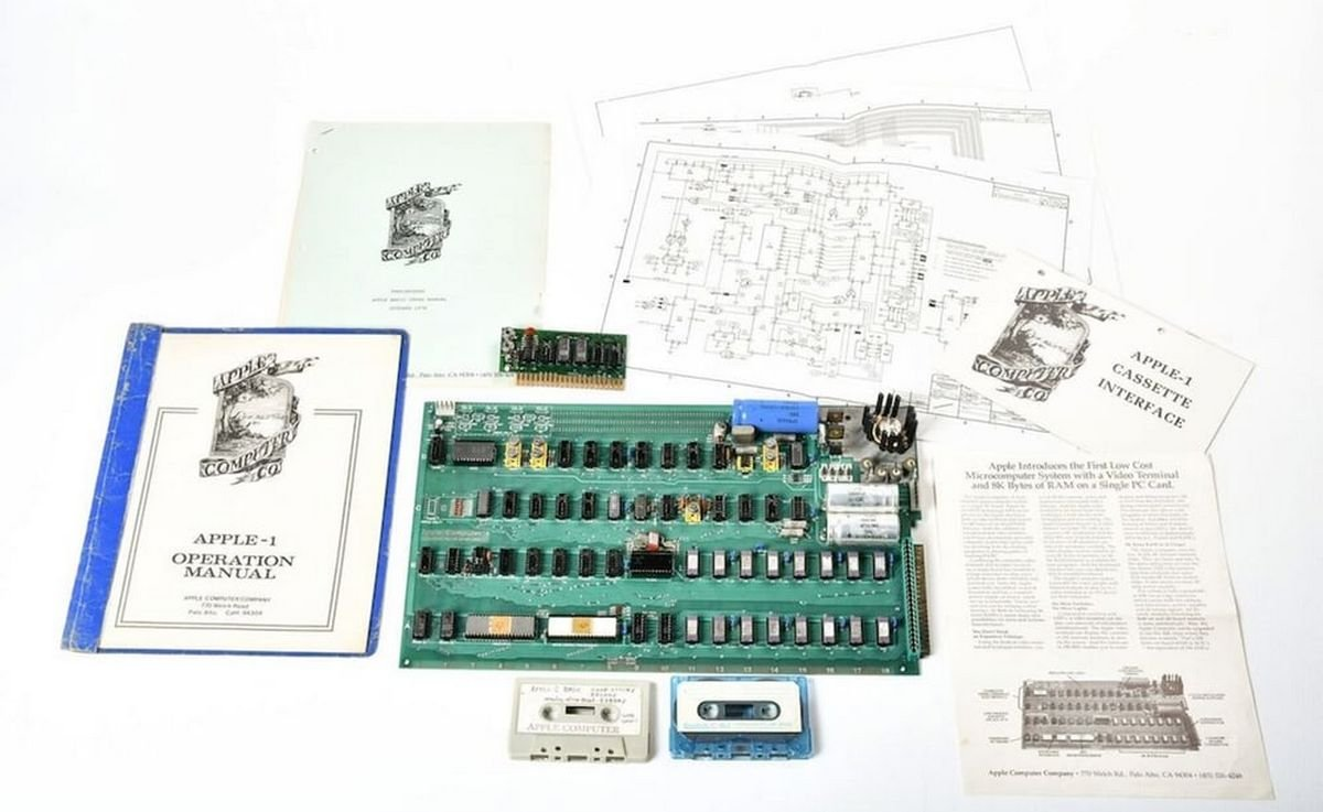 Ultra rare Apple 1 computer built by Jobs himself sells for $815k - Luxurylaunches