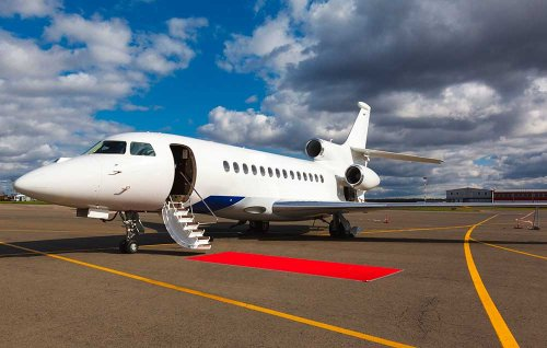 First day of college? For $40,000, Uni Baggage will fly you there in a private jet! : Luxurylaunches