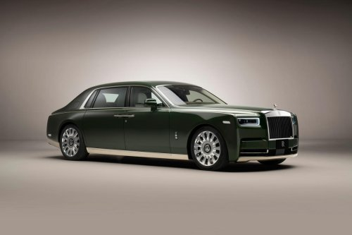 Rolls Royce has collaborated with Hermes for a one-off Phantom for a Japanese entrepreneur. The special green color will match his private jet.
