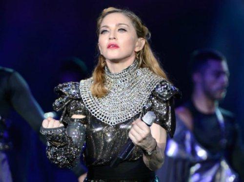 Madonna dazzles on MDNA Tour with 315,000 Swarovski crystals : Luxurylaunches