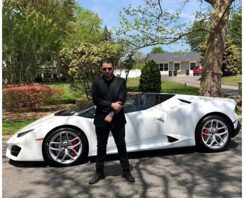What a Ferrari salesman will never tell you – These are the biggest disadvantages of driving a supercar. (Getting in and out of the car can be a real pain)