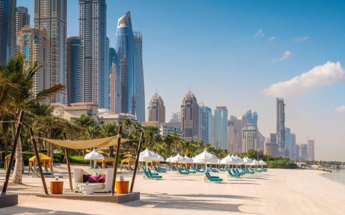 Ditch your iPhone – This ultra luxury resort in Dubai will give its guests a Leica camera to capture moments