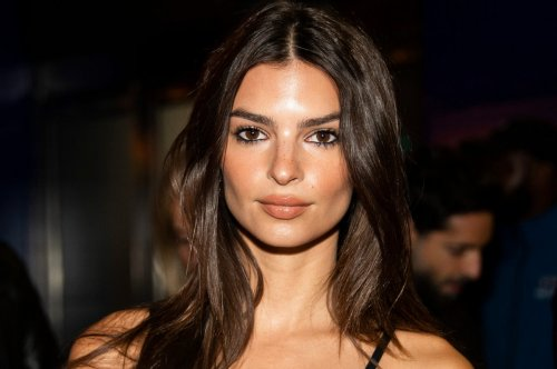 Emily Ratajkowski is being sued for $150,000 over posting her own picture on Instagram : Luxurylaunches