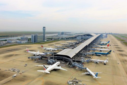 A Japanese airport does it for an eye watering $404 – Check out the most expensive and the cheapest airports for a Covid test – An Indian airport charges a meagre $8
