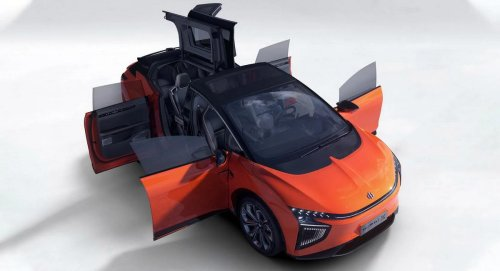 With 562 inbuilt sensors, facial recognition touchless entry, an onboard AI assistant and more – This is China'a answer to the Model X and it makes the Tesla look like a dinosaur