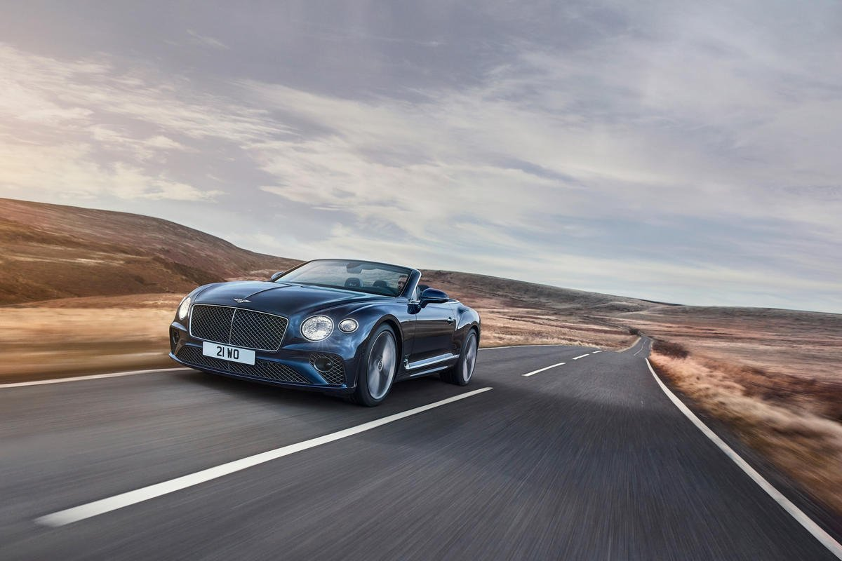 With a 650 bhp V12 engine under the hood – This is the most powerful convertible grand tourer from Bentley yet.