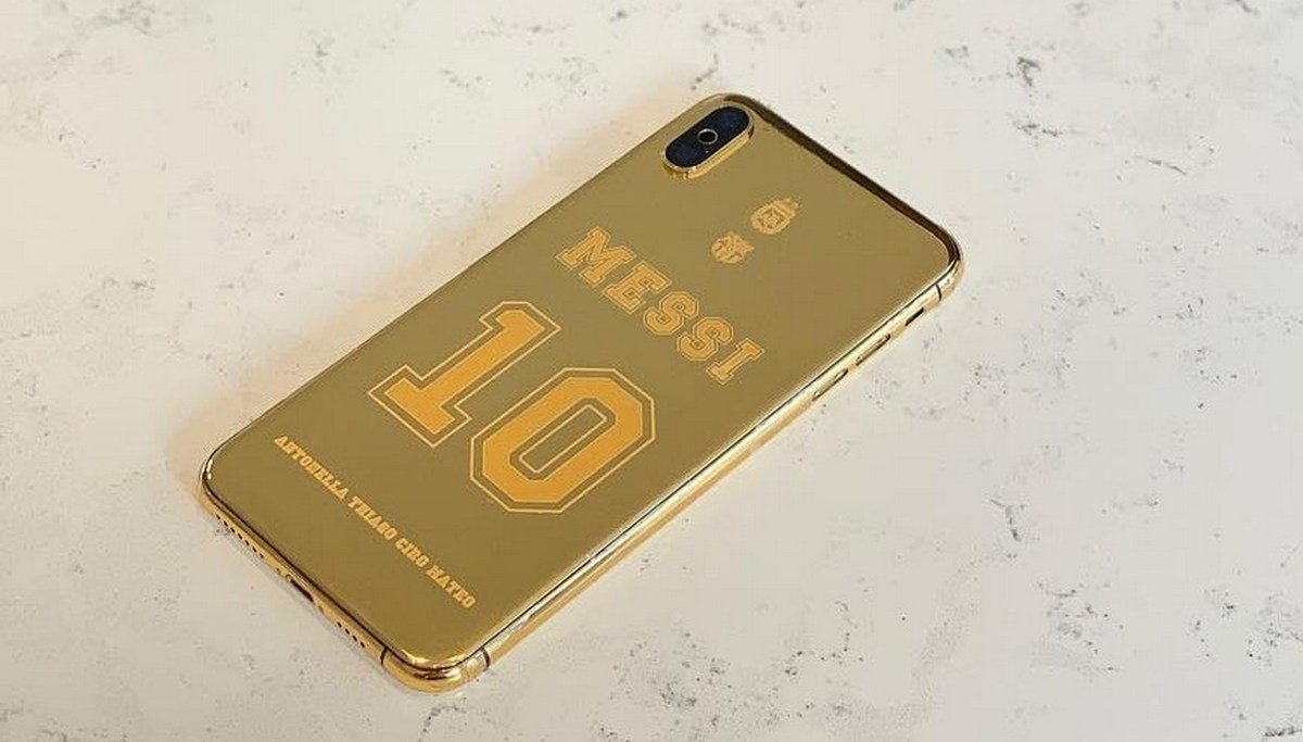 Take a look at Lionel Messi's $21,000 iPhone XS Max that is wrapped in 24k gold - Luxurylaunches