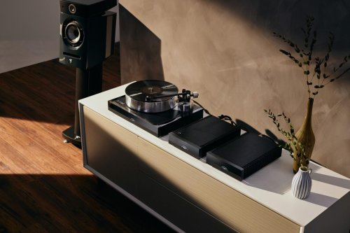 The Bentley of turntables is here – Handmade by Naim this stunner costs $20,000