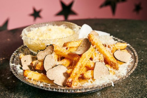 Dusted with edible gold and served in Baccarat crystal – NYC restaurant bags Guinness world record for the most expensive French fries, priced at $200