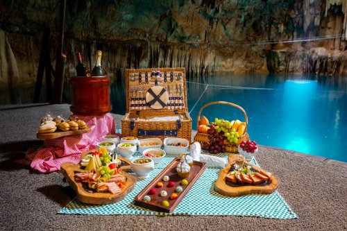 This $500,000 luxury Mexican getaway comes with private jets, plush suites, and the world's most expensive taco for dinner