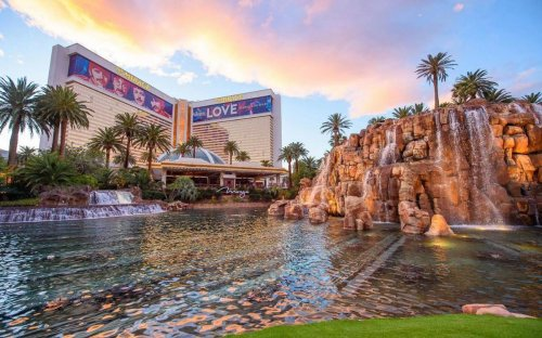 How Steve Wynn's Mirage changed the entire perception of Las Vegas and luxury