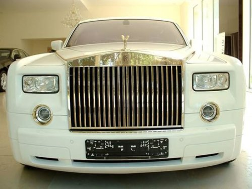 The $8 million Rolls Royce Phantom cast in gold is well armored too : Luxurylaunches