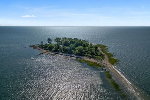 A pristine 6 acre private island close to New York City is one sale for $2.5M