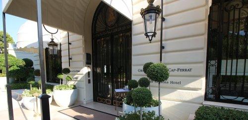 Ritz-Carlton Vs Four Seasons – Which Is Best?