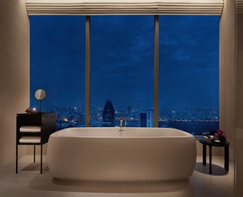 Luxury Hotel Reviews cover image