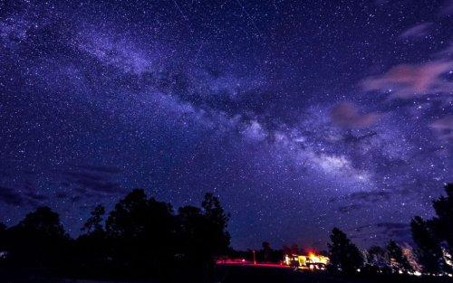 December 14th: The 'Geminid' Meteor Shower will Peak before Dawn