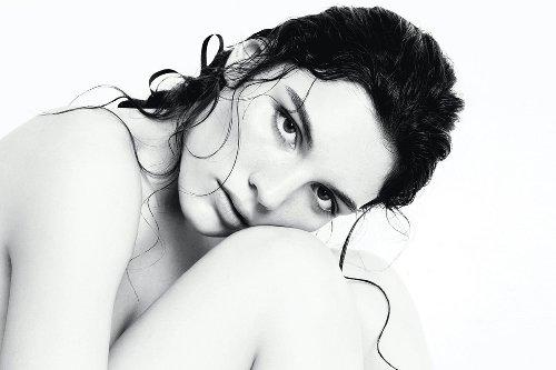Beauty-Secrets: For Her-Testimonial Lola Nicon im Interview