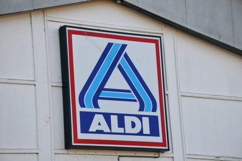 Aldi schafft Kassierer und Kassiererinnen ab