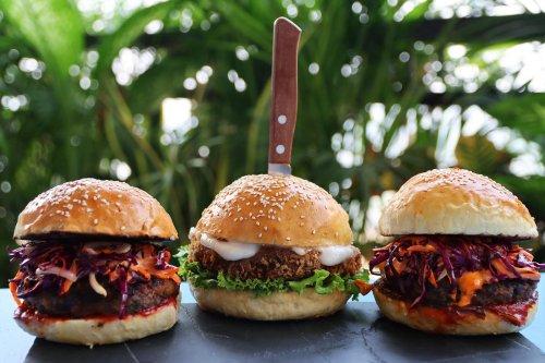 Verurteiler Mörder eröffnet Burgerladen: Speisekarte sorgt für Entrüstung