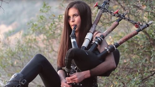 Diese drei Ladys spielen Metallica-Hit mit Dudelsäcken nach