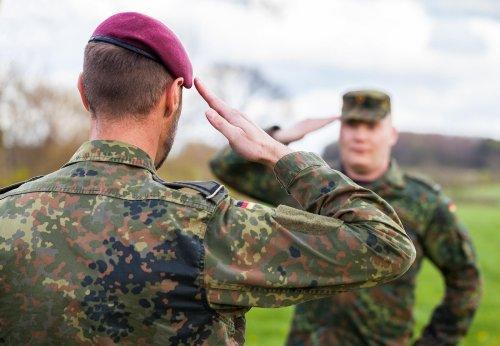 Gendersprech bei der Bundeswehr: Hauptmann muss umbenannt werden - und das ist noch nicht alles