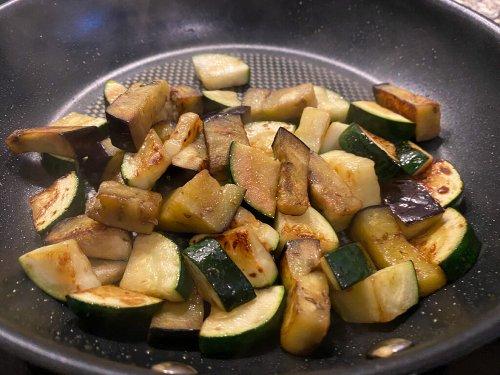 Tortellini mit Grillgemüse in Knoblauchbutter