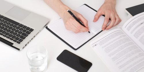 Become a More Organized Writer With These 7 Mobile Apps