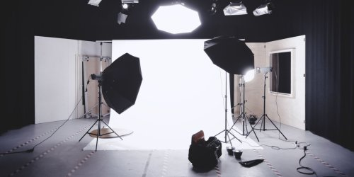 How to Use a Strobe Light to Shoot Better Photos