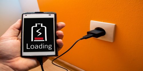 7 Myths About Charging Your Phone DEBUNKED