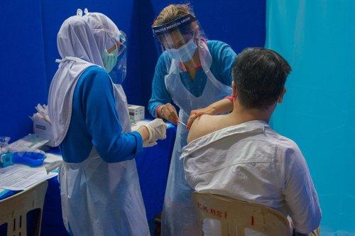 Health experts say Putrajaya should mitigate Covid-19 vaccine delivery delays
