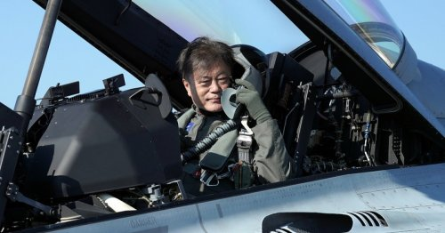 Arriving in fighter jet, S.Korea's Moon urges defence industry growth | Malay Mail