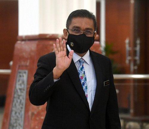 Kerajaan akan nasihatkan Agong mengenai tempoh darurat, kata menteri