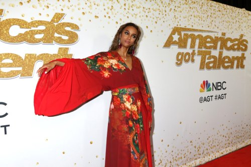 Tyra Banks Says Olivia Jade Is 'Very Brave' For Deciding To Join DWTS