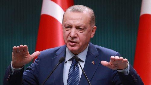 Notenbank folgt Erdogan Türkei senkt Leitzins trotz hoher Inflation - Lira fällt auf Rekordtief